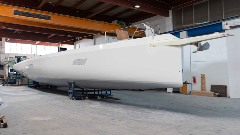 THE NEW MAXI DOLPHIN MD75 by MILLS  FROM THE YARD TO THE SEA